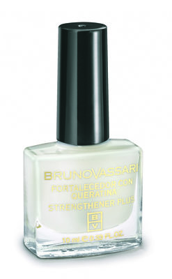 NAIL STRENGHTENER WITH QUERATIN